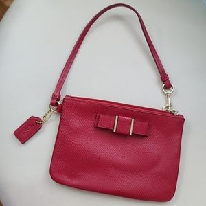 DARCY PATENT BOW SMALL WRISTLET (COACH F52137)NEW
